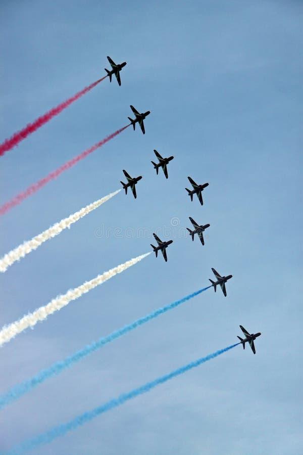 Avions à réaction acrobatiques aériens de l'Armée de l'Air rouge de la flèche RAF photos stock