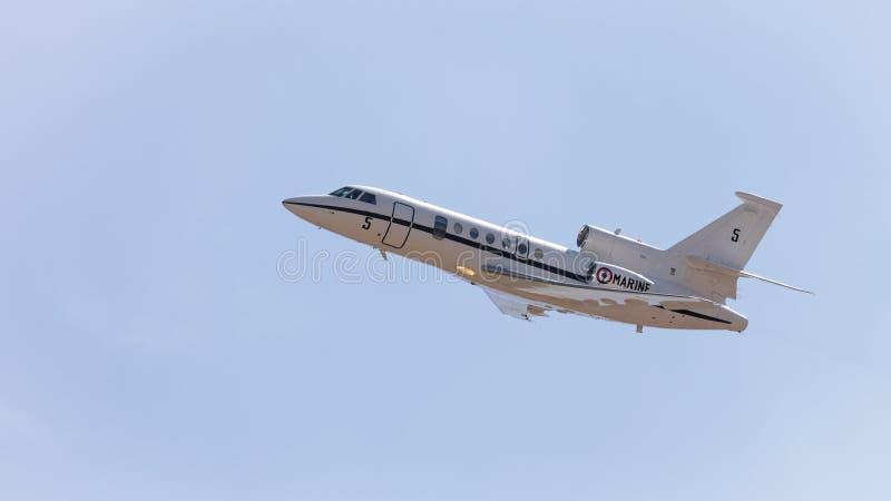 Avions à réaction militaires français de patrouille du faucon 50 de Dassault photo libre de droits