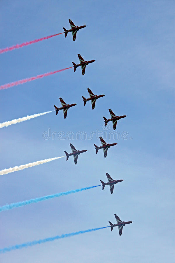 Avions à réaction rouges de l'Armée de l'Air des flèches RAF image stock