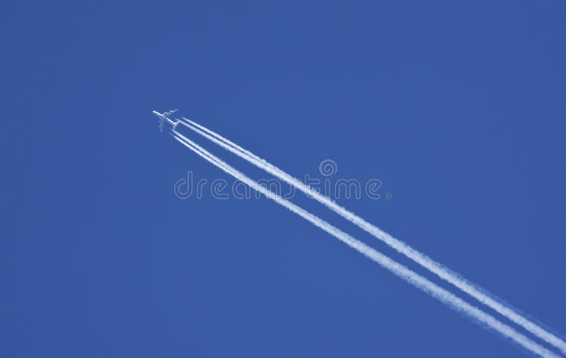 Avions à réaction - vol - course internationale images stock