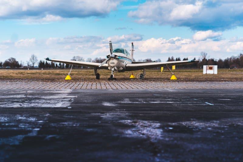 Avions à un piston photographie stock libre de droits