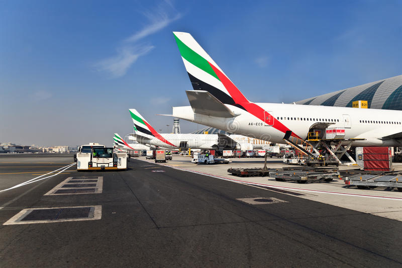 Avions dans l'a?roport de Duba images libres de droits