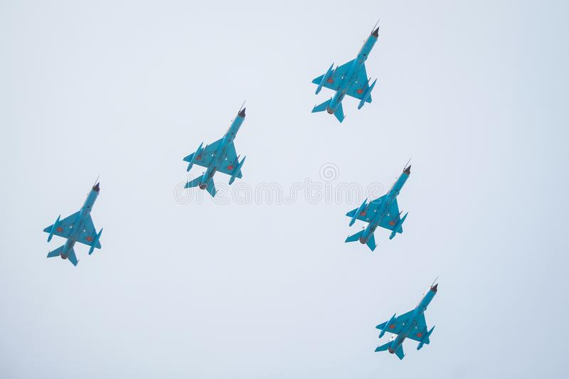 Avions de combat dans la formation photo stock
