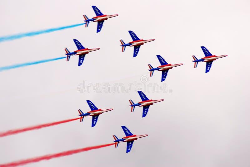 Avions de groupe de pilotage au salon a?rospatial international MAKS de MAKS photo stock
