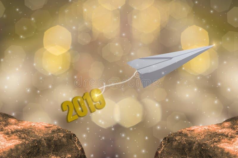 Avions de papier démarrant 2019 bonnes années, thème d'éclat d'or, avec le bokeh léger d'or de scintillement et le fond éclatant illustration stock