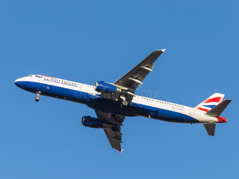 Avions de transport de passagers d'Airbus A321, les lignes aériennes British Airways photo stock