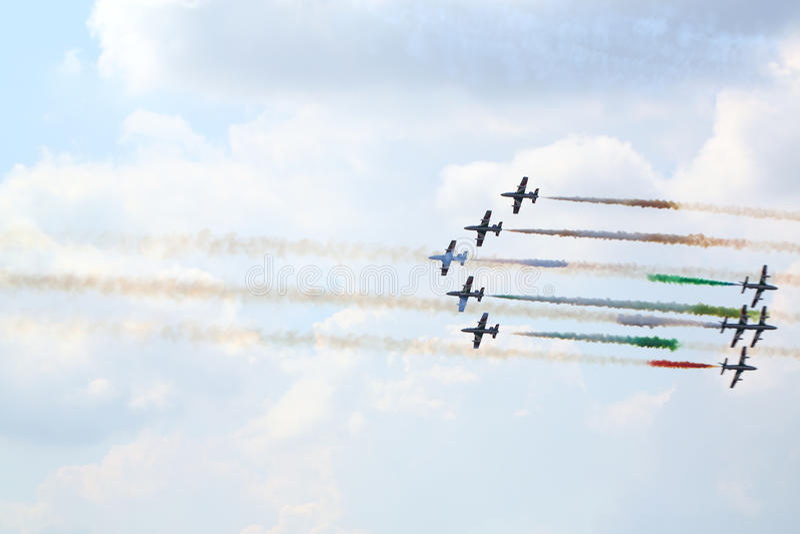 Avions italiens militaires à l'airshow photographie stock