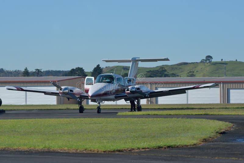 Avions légers de moteur jumeau photo stock