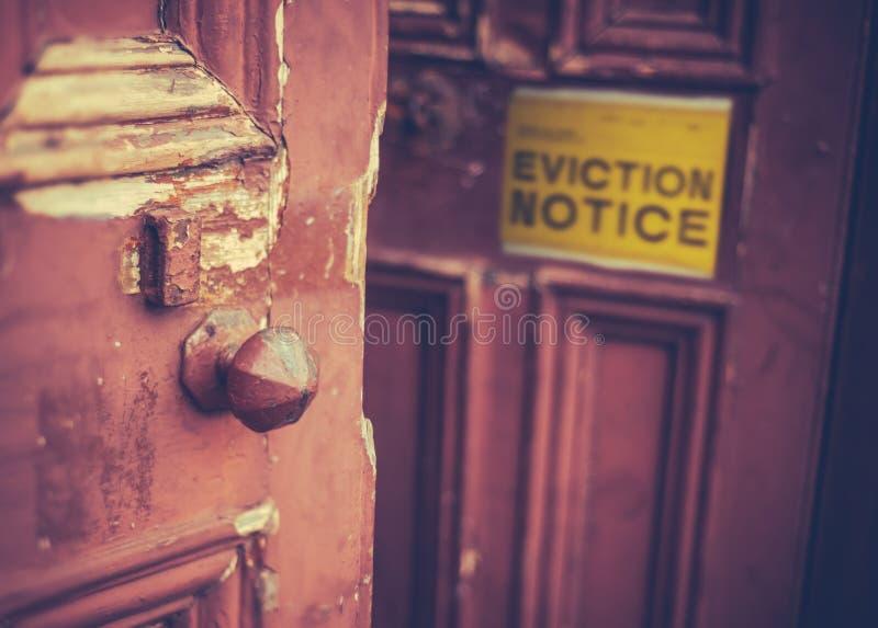 Avis d'expulsion sur la porte photo libre de droits