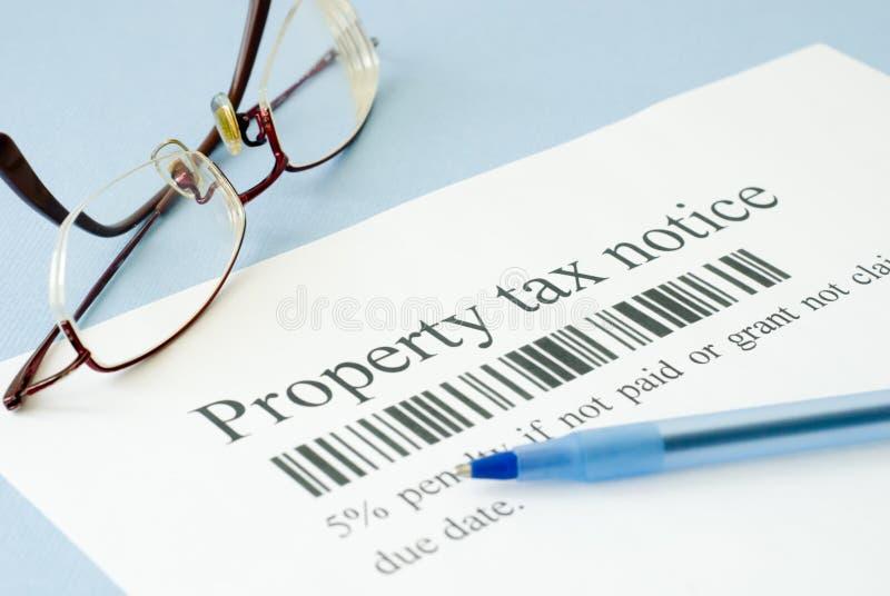 Avis d'impôt foncier photo stock