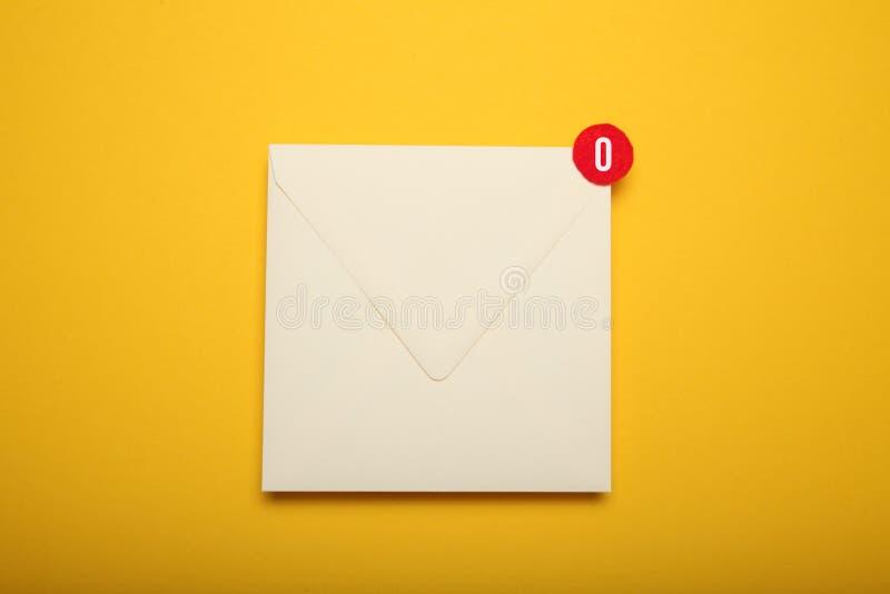 Aviso, charla de la comunicaci?n de la direcci?n Correspondencia del correo del contacto Mensaje recibido imagen de archivo