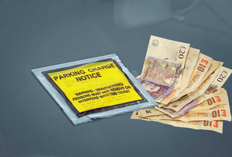 Aviso pagado de la pena de la carga del estacionamiento del coche fotografía de archivo libre de regalías