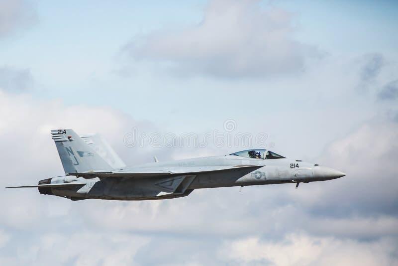 Avispón estupendo de la marina de guerra de Estados Unidos F-18 imagenes de archivo