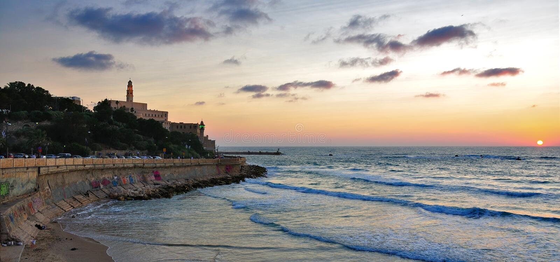 aviv海滩在南部的日落tel的以色列jaffaps手绘美女图片