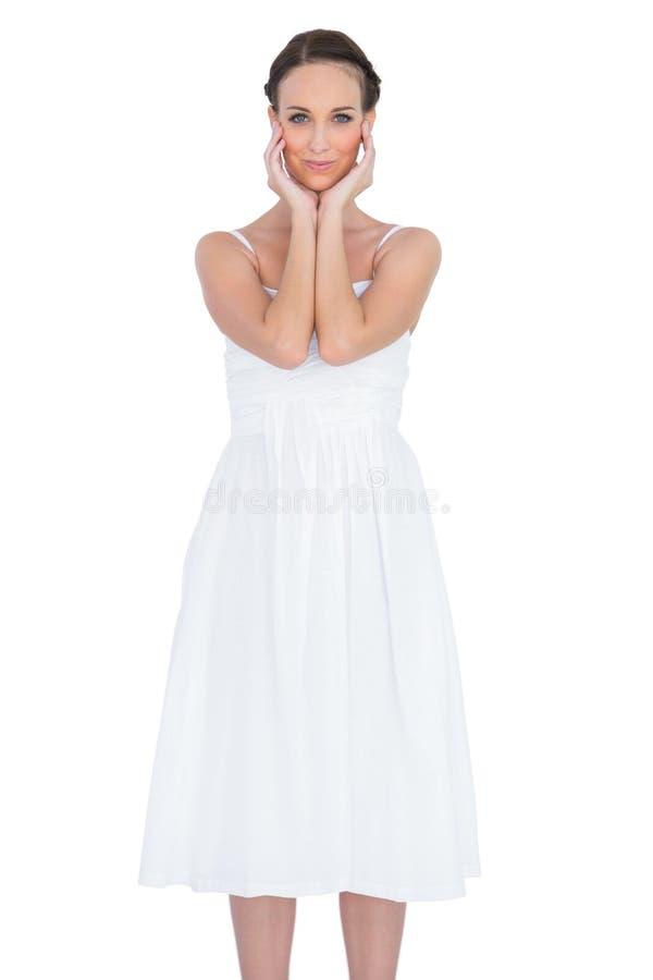 Avkopplat posera för barnmodell fotografering för bildbyråer