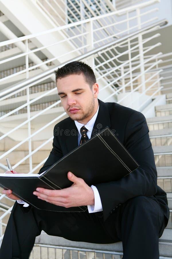 avläsning för affärsman royaltyfri bild