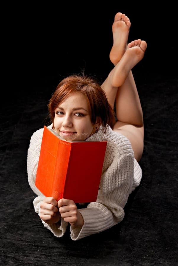 avläsningskvinna arkivbild