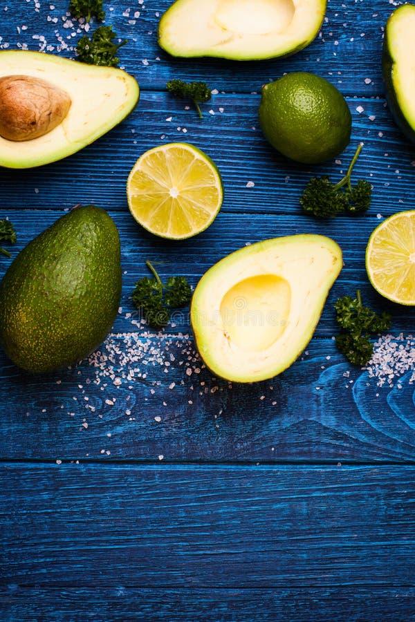 Avocado en Kalk stock foto