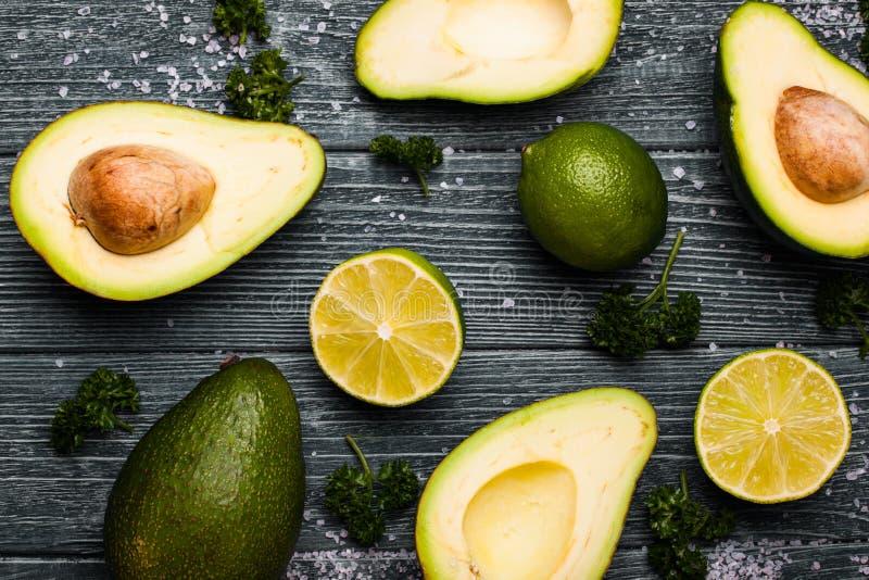 Avocado en Kalk stock fotografie