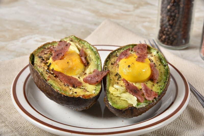 Avocado gebakken eieren royalty-vrije stock afbeelding