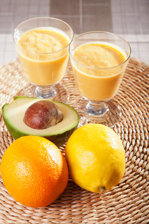 Avocado i citurs smoothie zdjęcia stock