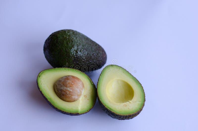 Avocado na białym tle obraz stock