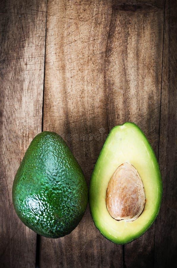 Avocado owoc nad drewnianym tłem Świeży zielony Avocado frui obrazy royalty free