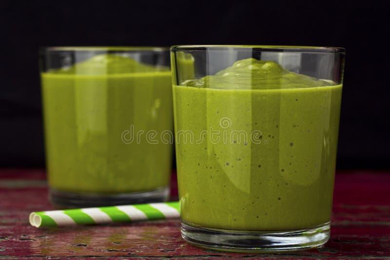Avocado smoothie stock foto's