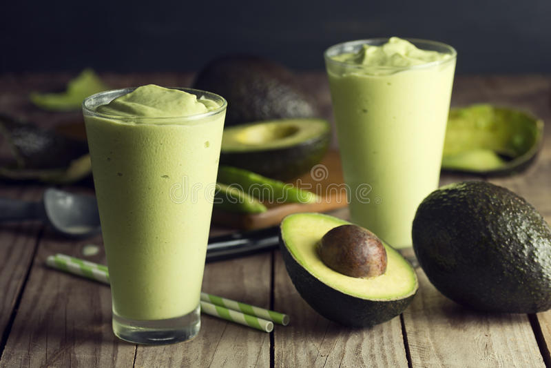 Avocadoschok of Smoothie stock afbeeldingen