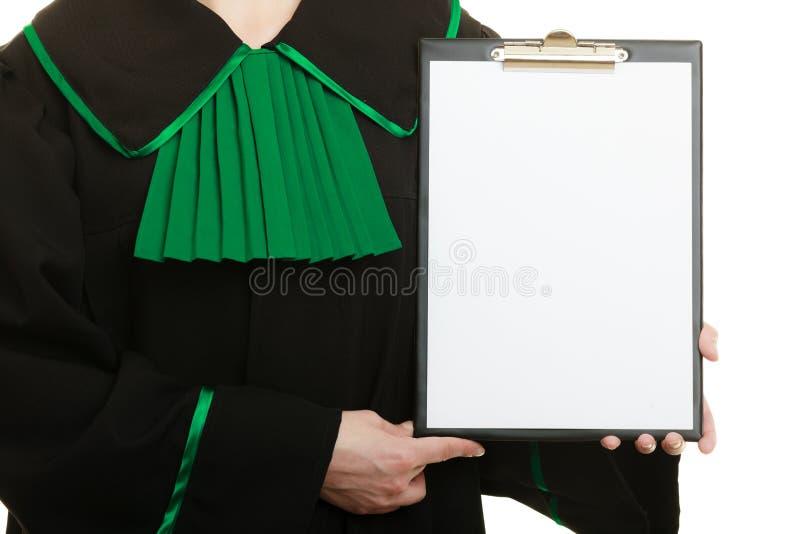 Avocat de femme tenant le presse-papiers vide vide image libre de droits