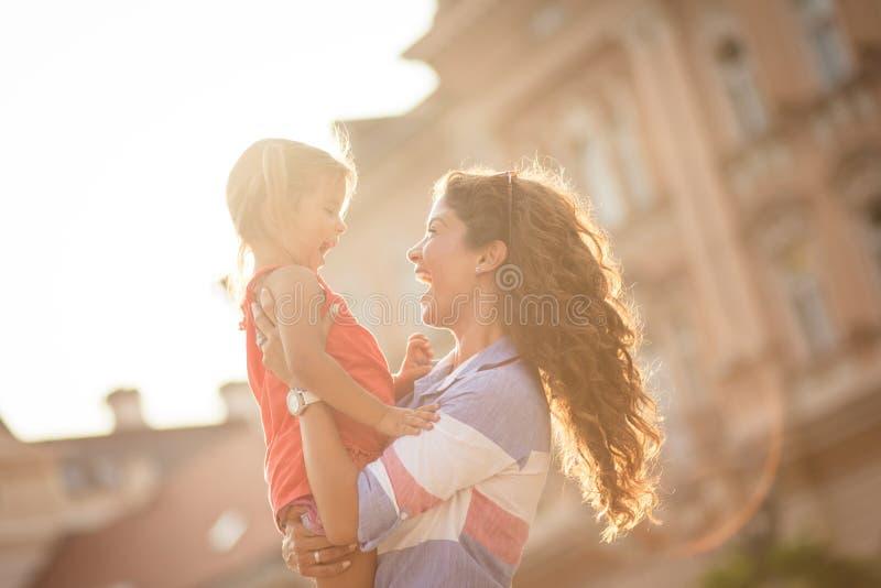 Avoir le meilleur temps avec la maman photos libres de droits