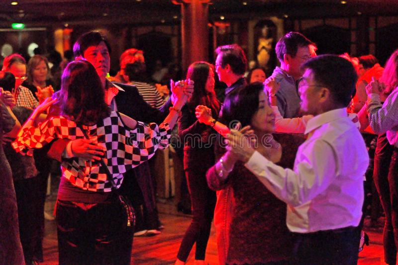 Avoir une vie sociale de danse images stock