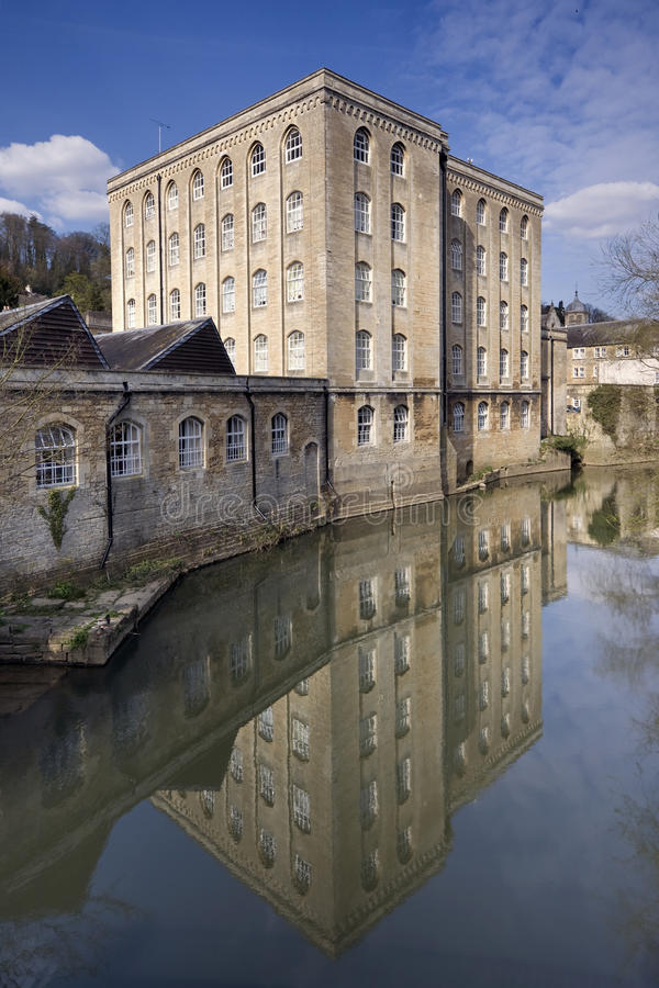 Avon Reflection. A former mill building, reflected in the still waters of the river at Bradford Upon Avon, Wiltshire stock photos