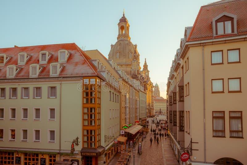 Avondcityscape Het gelijk maken in het centrum van Dresden royalty-vrije stock afbeeldingen