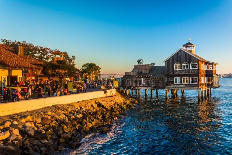 Avondlicht bij Zeehavendorp, in San Diego, Californië royalty-vrije stock fotografie