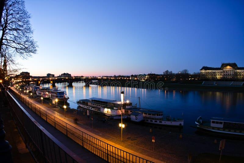 Avondmening over historisch centrum van Dresden stock afbeelding