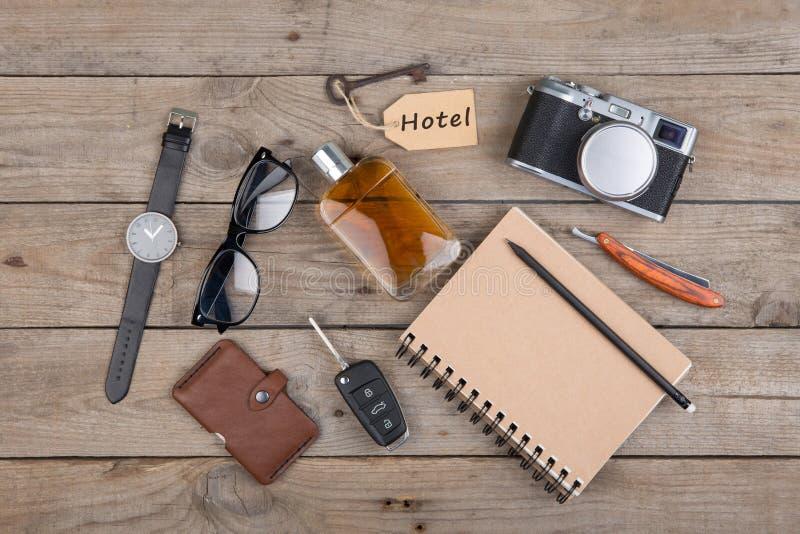 Avonturenconcept - camera, blocnote en ander materiaal voor reis royalty-vrije stock afbeelding