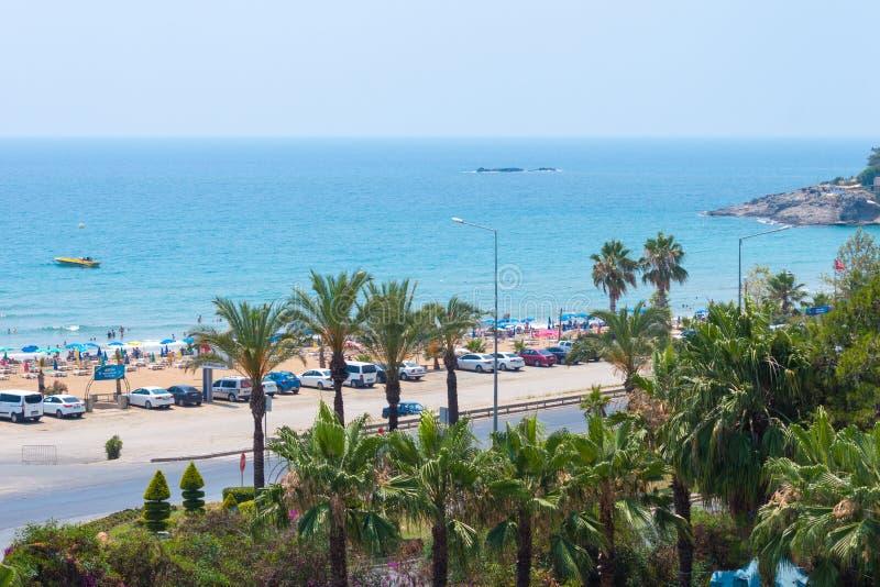 Avsallar, Turquia - 28 de junho de 2019 Paisagem do mar da praia de Turquia Paradise em Alanya Recurso por férias de verão foto de stock royalty free