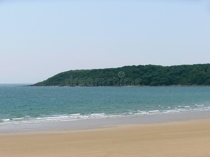 Avskild strand arkivbild