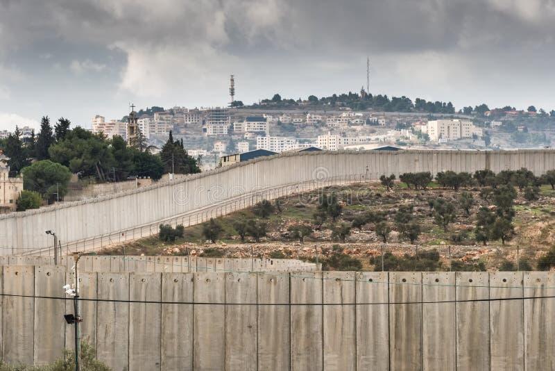 Avskiljandev?gg mellan Israel och V?stbank arkivbild