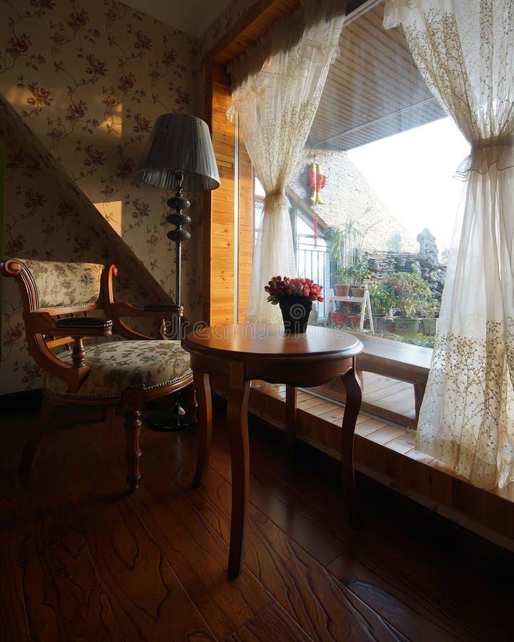 Avslappnande balkong royaltyfri fotografi