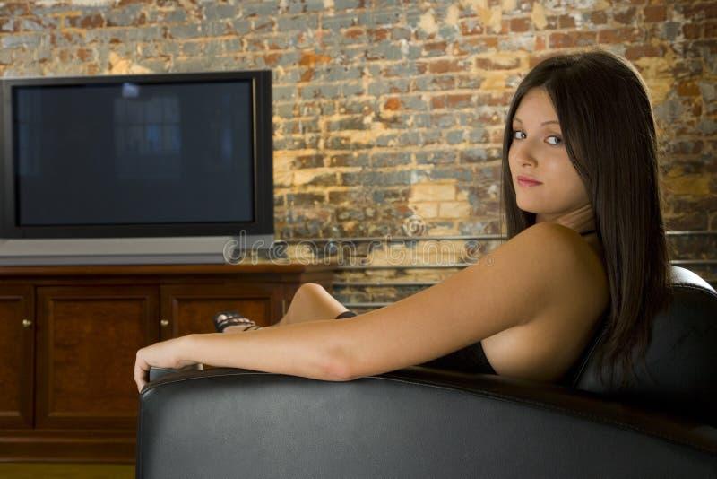 avslappnande sexig kvinna arkivbilder