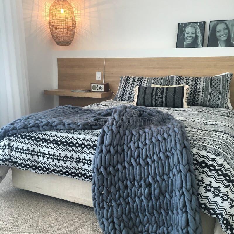 Avslappnande sovrum fotografering för bildbyråer