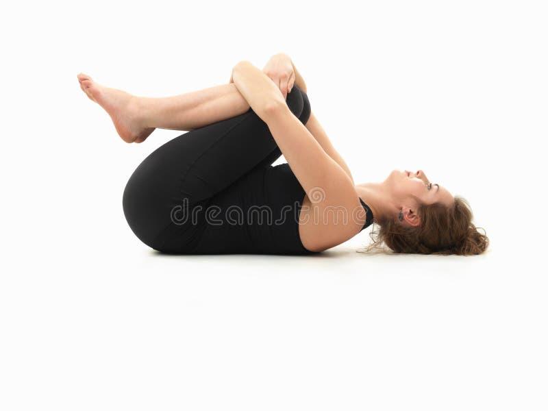 Avslappnande yoga poserar royaltyfri fotografi