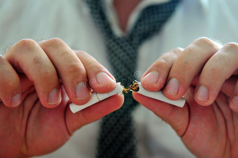 Avslutning av rökning fotografering för bildbyråer