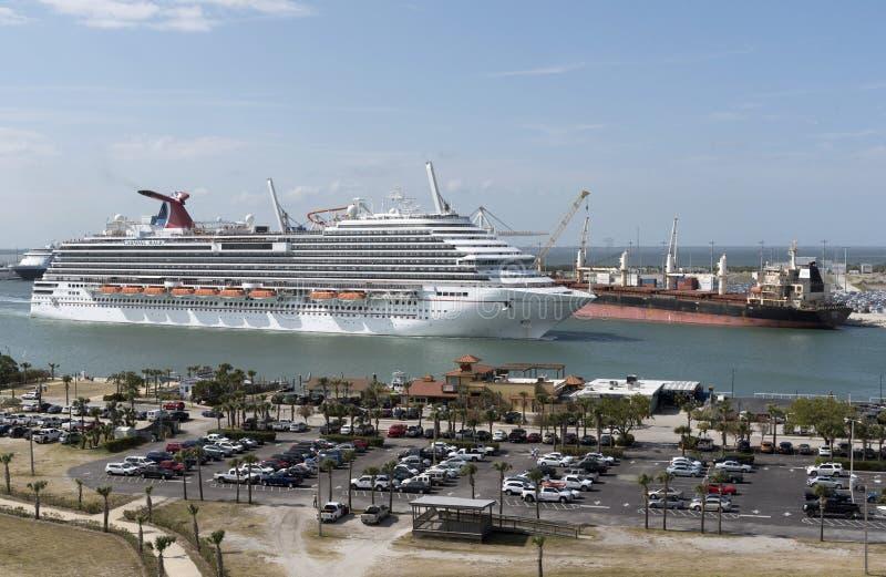 Avtågande port Canaveral Florida USA för kryssningskepp arkivbilder