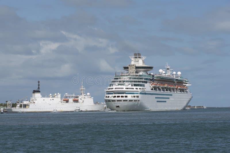 Avtågande port Canaveral Florida USA för kryssningskepp royaltyfri fotografi
