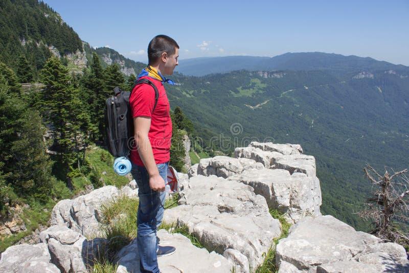 Avventura di viaggio e fare un'escursione stile di vita attivo e sano di attività, durante il giro di fine settimana e di vacanze fotografia stock libera da diritti