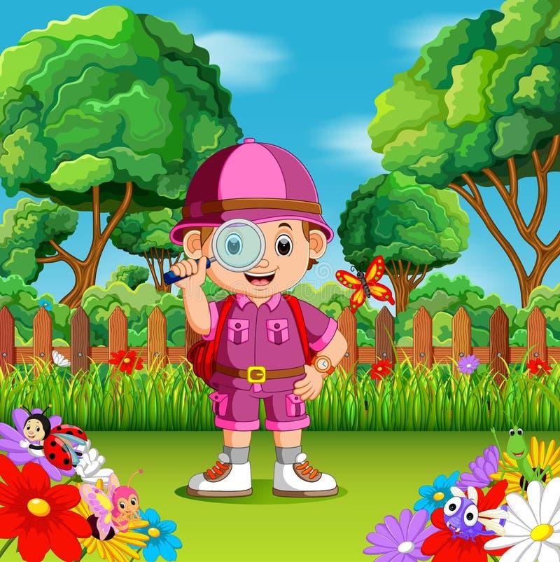 Avventuri il vetro magnifiying della tenuta sveglia del ragazzo in un giardino floreale royalty illustrazione gratis