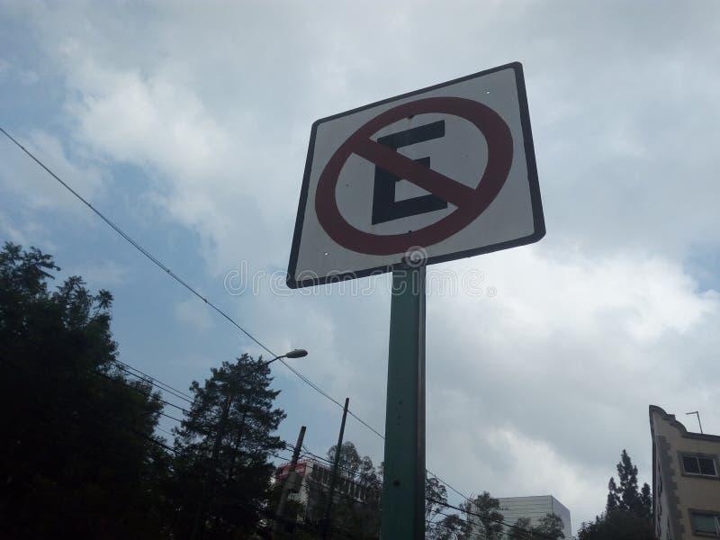 Avvertimento: Non fa il ‹del parking†Non estacionar immagini stock libere da diritti